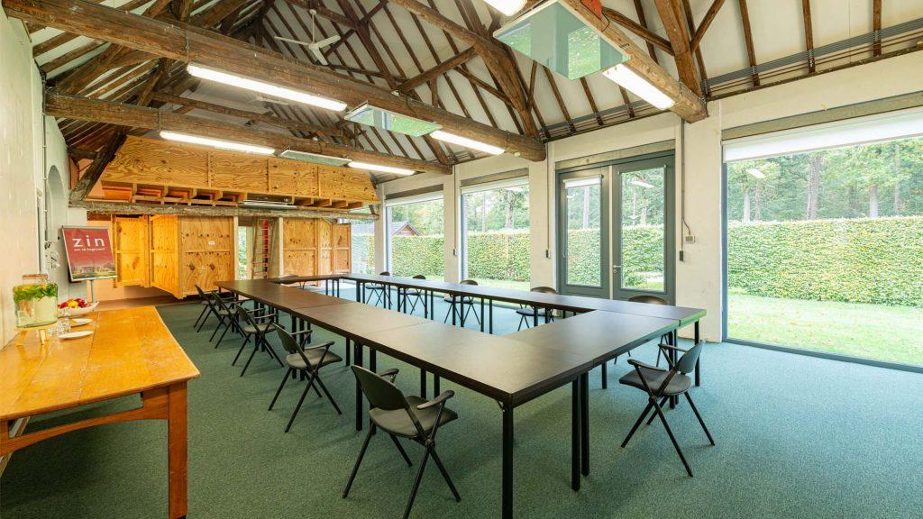 Kloosterhotel ZIN - Atelier ruimte kunst vergadering meeting buiten openslaande deuren