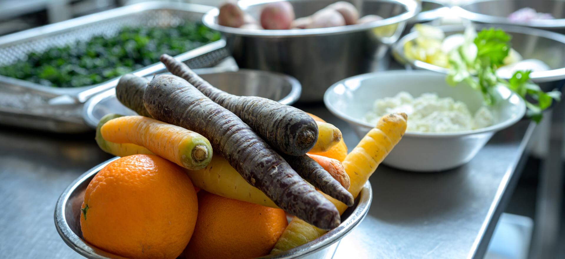 Kloosterhotel ZIN Keuken MVO certificaat biologisch duurzaam penen sinasappel kruiden wortel