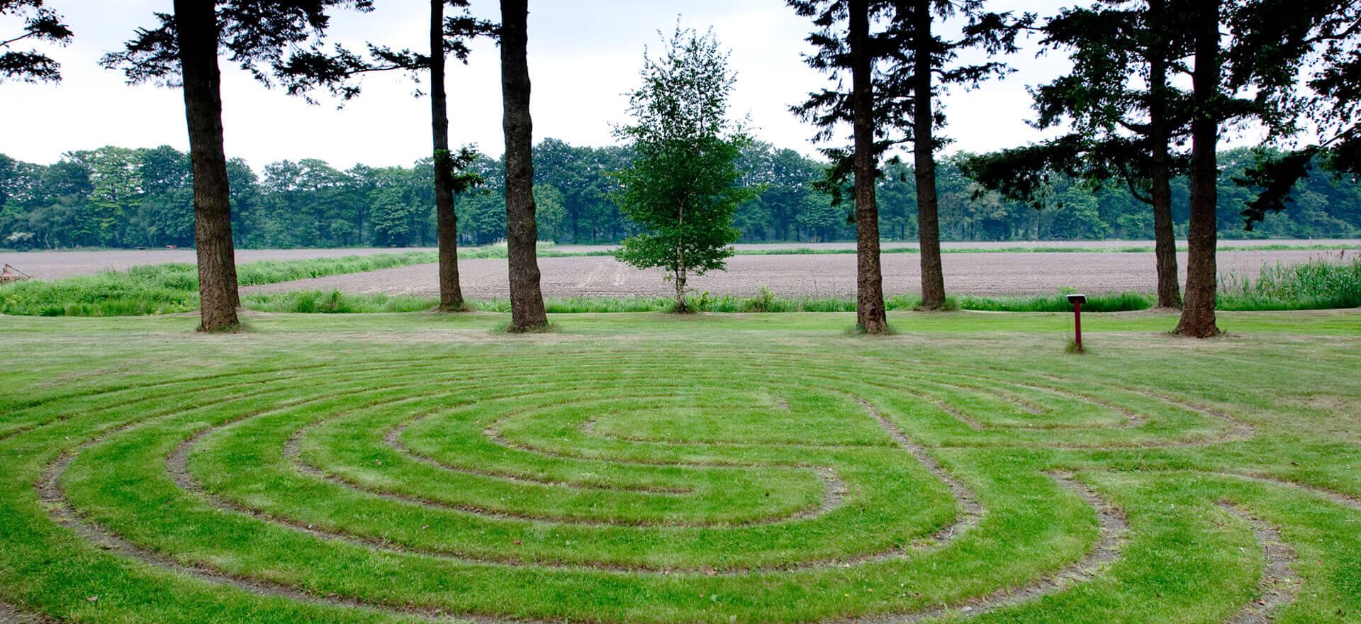 Kloosterhotel ZIN labyrinth tuin landgoed uitzicht rust retraite