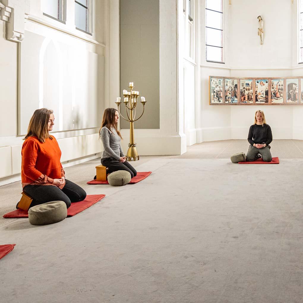 Meditatie ingezoomd rust ritme ontspannen Kapel