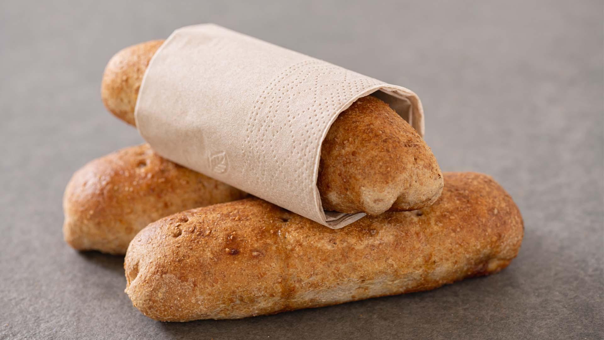 Snack spelt worstenbroodje onderweg meenemen tussendoortje