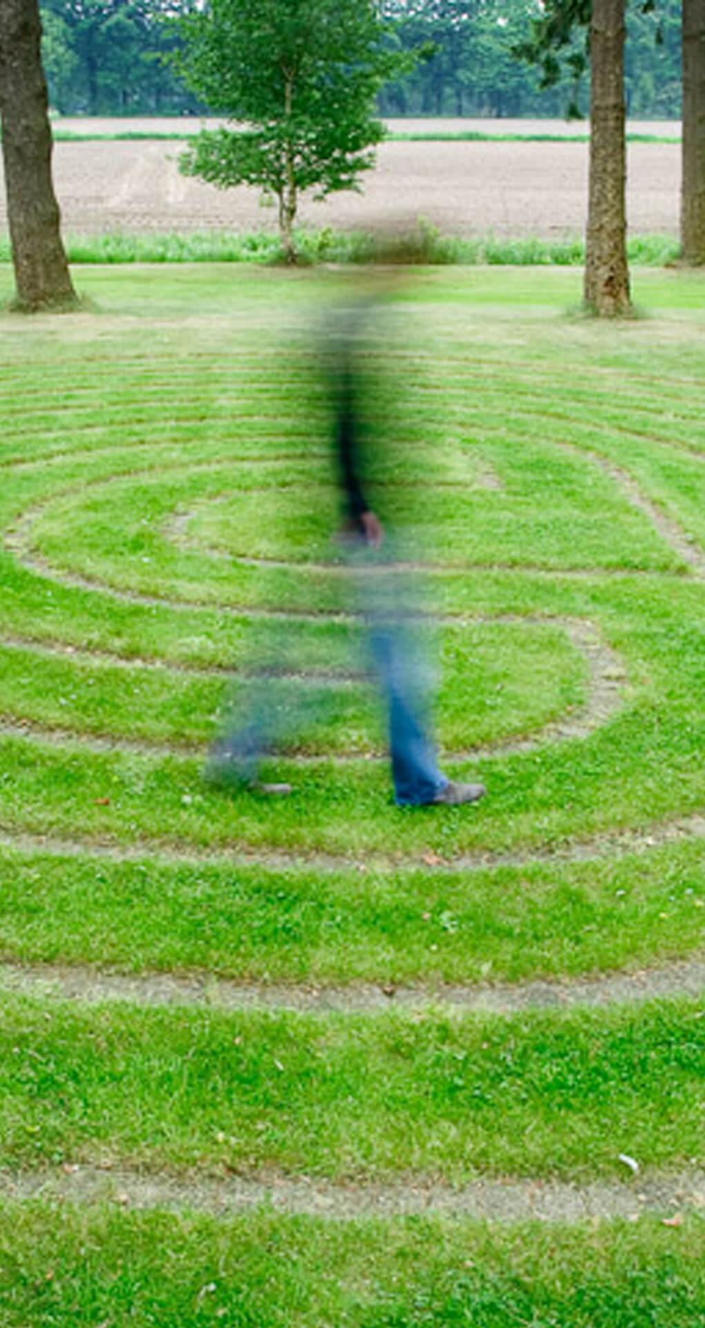 Labyrint lopen landgoed tuin
