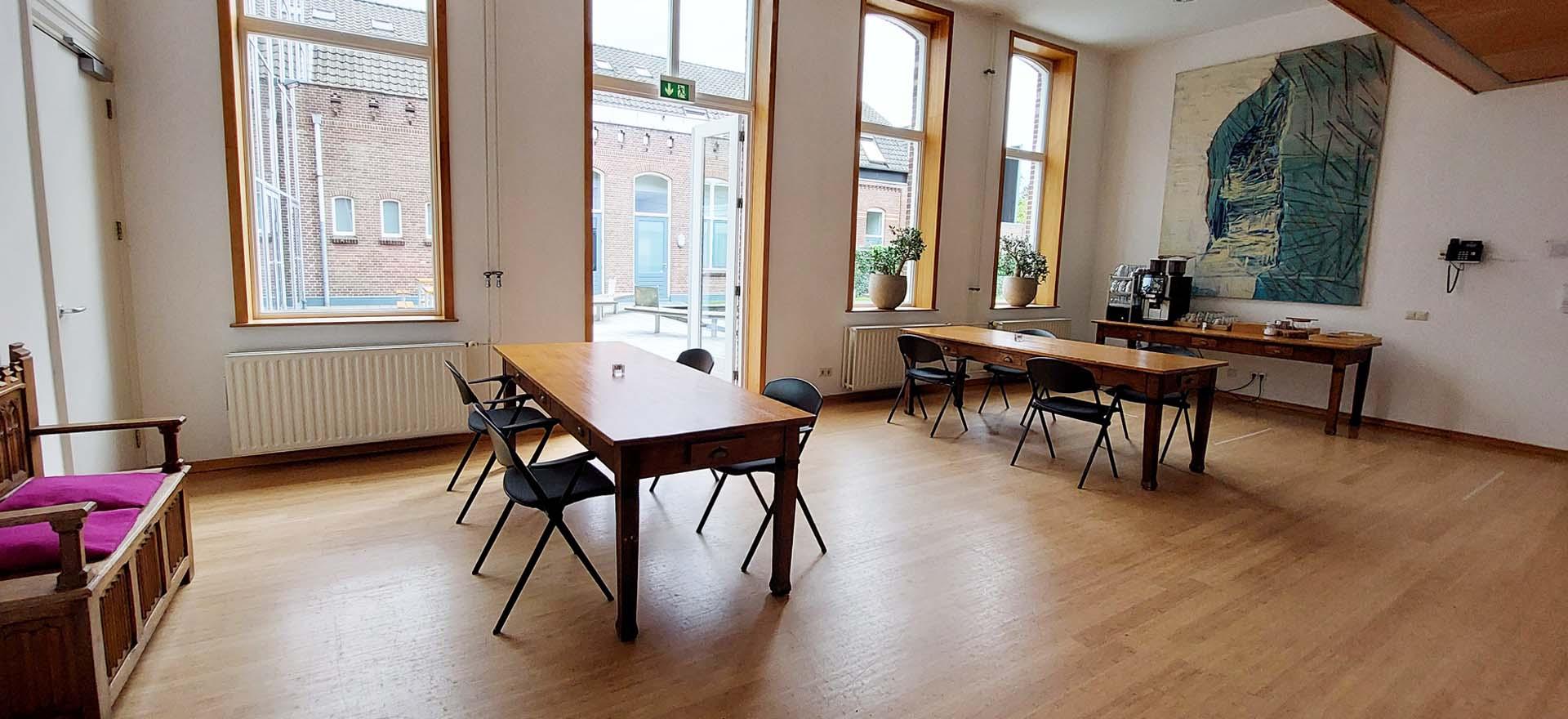 Algemene Ruimte Foyer voorkamer licht ramen openslaande deur koffie moment thee