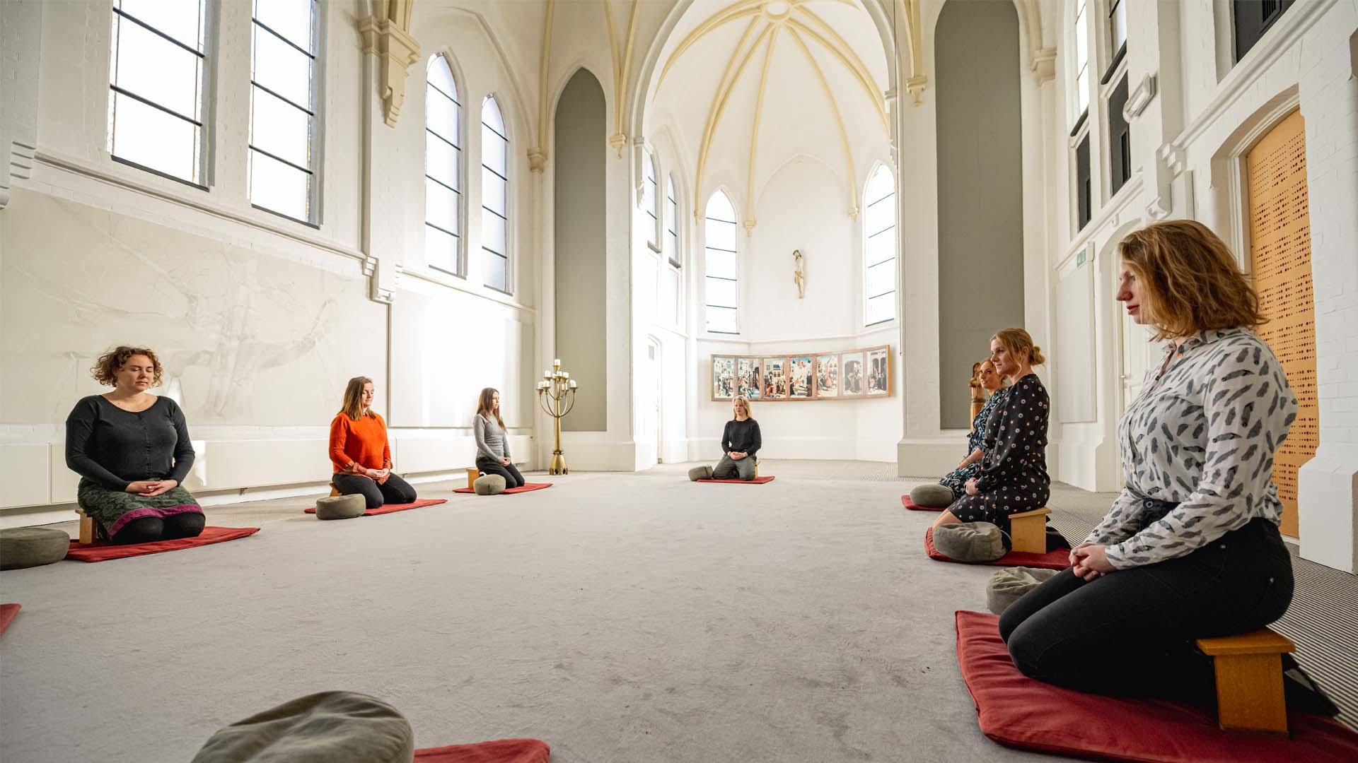 Kloosterhotel ZIN Kapel meditatie stilte stil mediteren